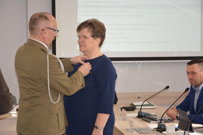 Ilustracja do informacji: Krystyna Waraksa została nagrodzona srebrnym medalem
