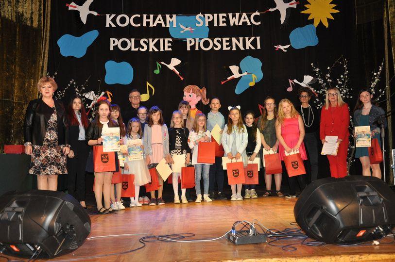 """Ilustracja do informacji: Konkurs wokalny """"Kocham śpiewać polskie piosenki"""""""