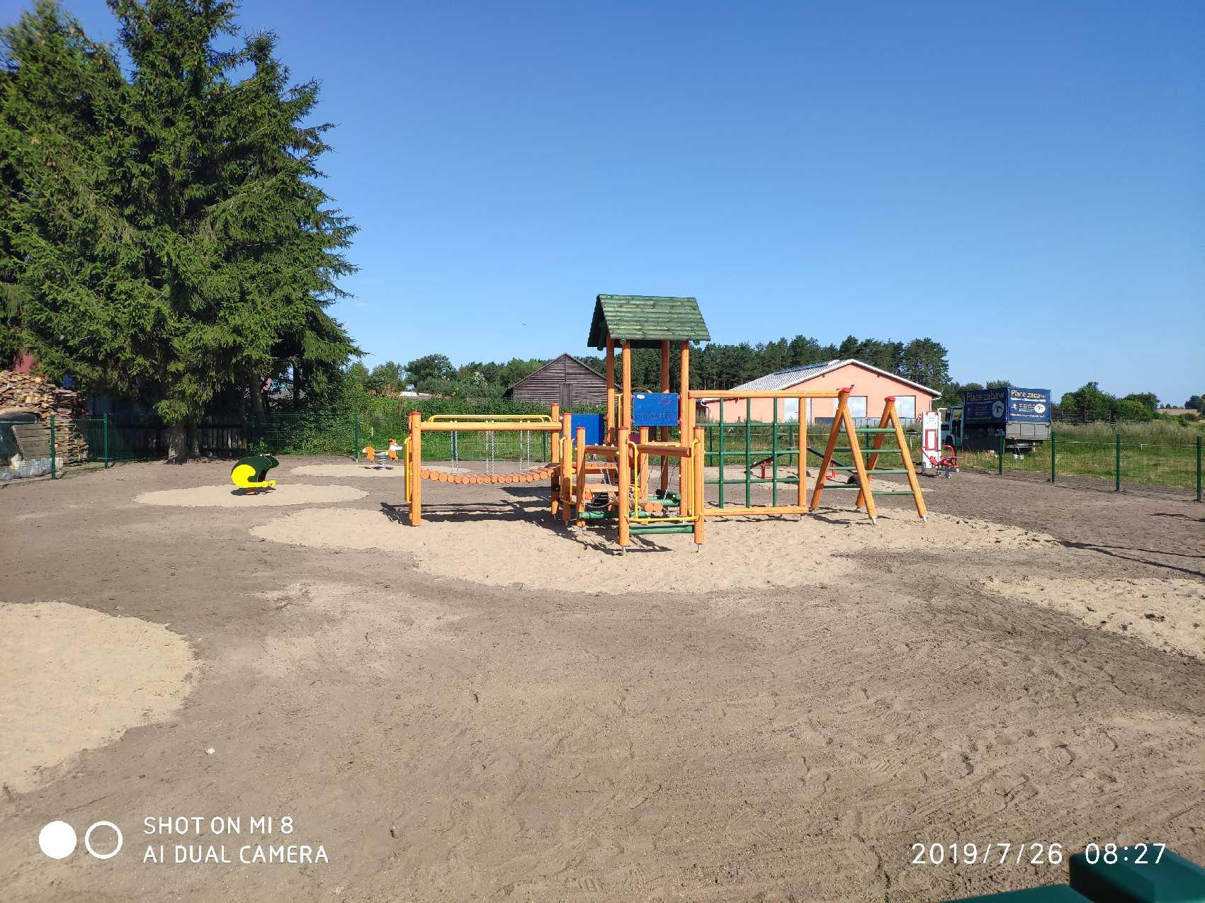 Ilustracja do informacji: Powstał plac zabaw w Plęsach