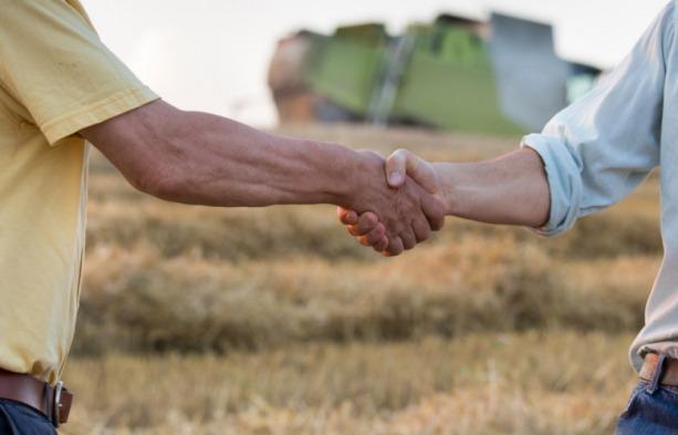 Ilustracja do informacji: Umowy dzierżaw dla rolników