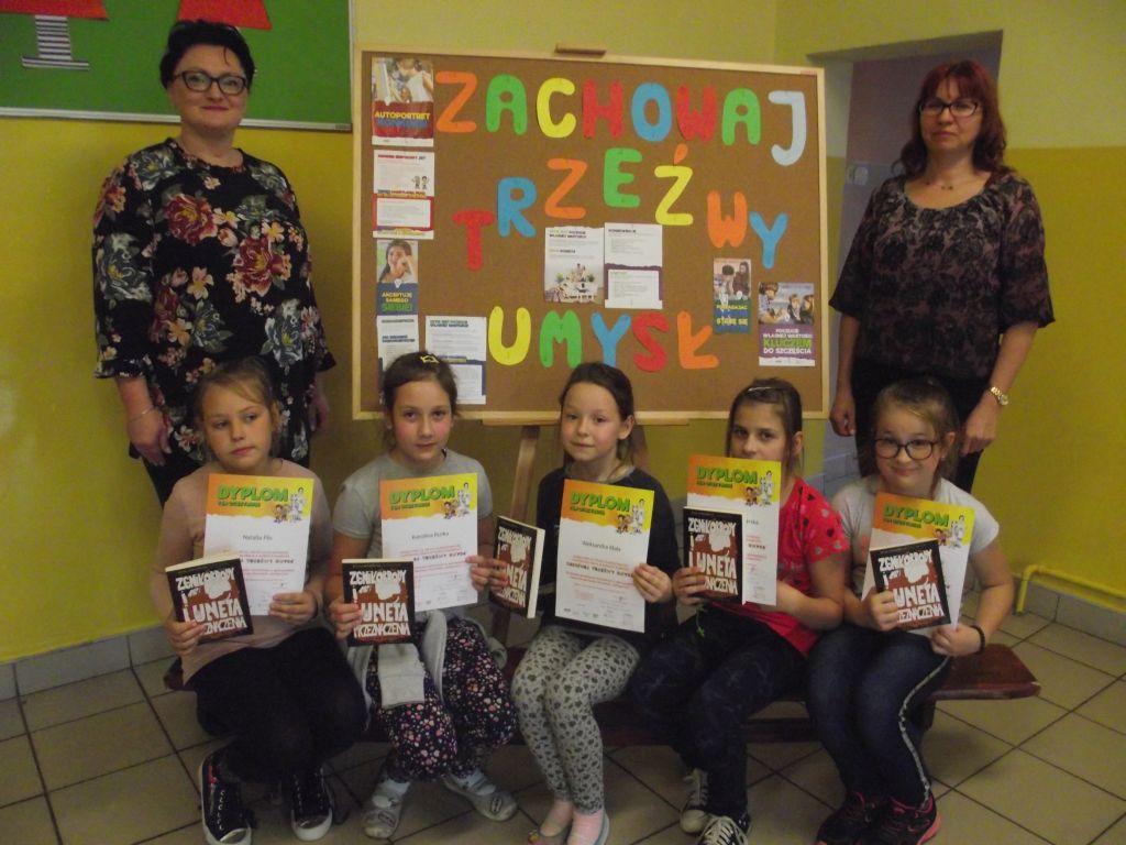 Ilustracja do informacji: Uczennice z Żydowa laureatkami ogólnopolskiego konkursu