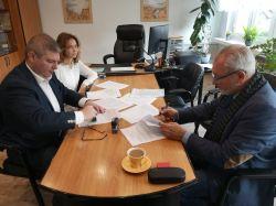Miniatura zdjęcia: Podpisanie umowy na przebudowę drogi